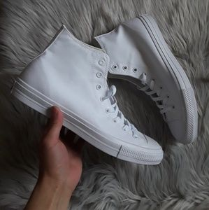 New Converse All Stars White Size 12 Chuck Taylor